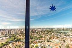 CURITIBA, PARANA/BRAZIL - GRUDZIEŃ 27 2016: Widok od Curitiba ` s panoramiczny wierza Zdjęcie Royalty Free