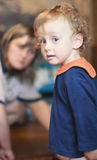 curly pół mały chłopiec refundacji Obrazy Stock