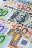 世界货币概念:欧洲人和美国坚硬Curr的特写镜头 免版税库存照片
