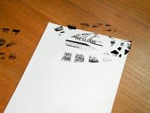 Curriculum vitae pisoteado Foto de archivo