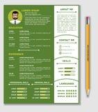 Curriculum vitae y plantilla del CV con diseño minimalista agradable y el lápiz realista libre illustration
