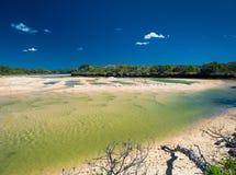 Currimundi sjö, vänlig strand för familj, Caloundra, Queensland, A Royaltyfri Foto