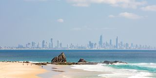 Currumbin strand Gold Coast royaltyfri bild