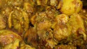 Curry caliente del pollo que fuma que es hecho almacen de video