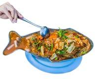 Curry caliente y amargo con la salsa del tamarindo, los pescados y el aislador de las verduras imágenes de archivo libres de regalías