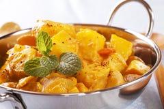 Curry de la patata de Bombay Imagenes de archivo