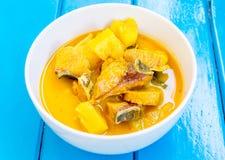 Curry de los pescados y de la piña Fotos de archivo libres de regalías