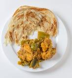 Curry del capsico di Aloo e angolo alto di paratha Immagine Stock Libera da Diritti