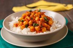 Curry del garbanzo con el arroz basmati Fotografía de archivo