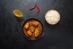Curry del pesce del bengalese Salsa di curry del pesce Vista superiore fotografie stock libere da diritti