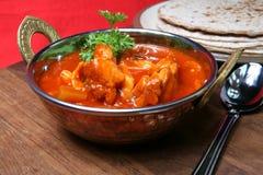 Curry del pollo con los chapatis Imágenes de archivo libres de regalías
