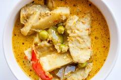 Curry della carne di maiale in ciotola bianca Fotografia Stock Libera da Diritti