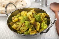 Curry della patata del cavolfiore di Aloo Ghobi Immagine Stock