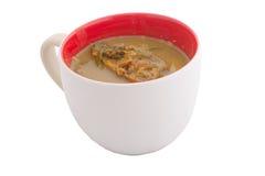 Curry in der weißen Schale auf weißem Hintergrund Stockbild