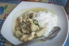 Curry di verde del pollo delle tagliatelle Fotografia Stock Libera da Diritti