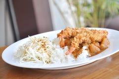 Curry en el arroz y el tempura Imagen de archivo