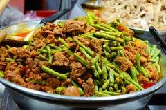 Curry frito del cerdo con las lentejas Imagen de archivo