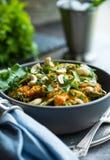Curry-Huhn und Gemüse stockfoto