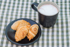 Curry puff and a cup of hot cocoa Royalty Free Stock Image