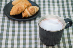 Curry puff and a cup of hot cocoa Royalty Free Stock Photos