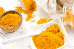 Curry-Pulver-Haufen Stockfoto