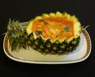 Curry rosso tailandese con l'ananas Fotografia Stock Libera da Diritti