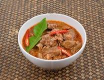 Curry saporito rosso con carne di maiale, cucina tailandese Fotografia Stock Libera da Diritti
