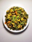 Curry seco de Aalu Methi imagenes de archivo