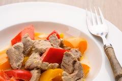 Curry wirth portk und Pfeffer als Nahaufnahme Stockbild