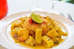 Curryskaldjur med rice Arkivbild