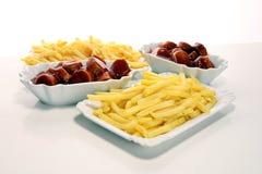 Currywurst com fritadas alimento alemão tradicional com salsichas e caril foto de stock royalty free