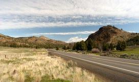 Curso alto dos E.U. da paisagem do deserto da estrada de Ochoco da rota 26 de Oregon Fotos de Stock Royalty Free