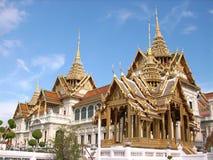 Curso asiático o templo tailandês imagens de stock royalty free