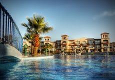 Curso complexo África do hotel de luxo Fotografia de Stock Royalty Free