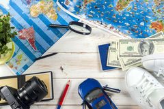 Curso - conceito Planeamento da viagem do carro Fundamentos do turista Espaço para o texto Fotos de Stock
