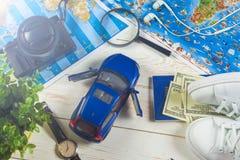 Curso - conceito Planeamento da viagem do carro Fundamentos do turista Espaço para o texto Foto de Stock Royalty Free