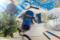 Curso - conceito Planeamento da viagem do carro Fundamentos do turista Espaço para o texto Imagens de Stock Royalty Free