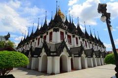 Curso da arte do wat do templo de Tailândia imagens de stock royalty free