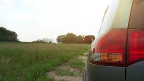 Curso de carro no upcountry vídeos de arquivo
