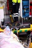 Curso de la resucitación cardiopulmonar de los primeros auxilios usando e automatizada Fotografía de archivo libre de regalías