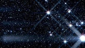 Curso dentro de um campo de estrelas de incandescência e de cintilação com movimento do azimute vídeos de arquivo