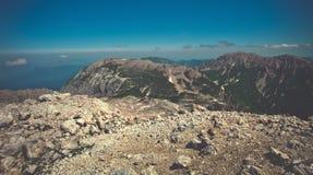 Curso do verão do céu azul de Rocky Mountains Landscape Fotografia de Stock Royalty Free