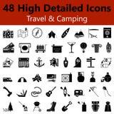 Curso e ícones lisos de acampamento Imagens de Stock