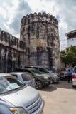 Curso em torno de África Uma fortaleza velha da cidade de pedra fotos de stock