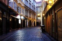 Curso para vista-ver da opinião da cidade em Pargue, República Checa foto de stock royalty free