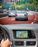 Curso pelo carro com sistema de navegação Imagens de Stock