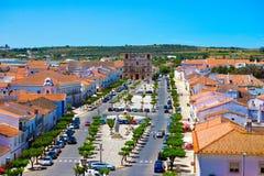 Curso região de Portugal, o Alentejo, Vila Vicosa Quaint Main Sqaure foto de stock