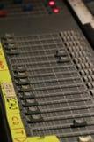 Cursor del nivel del control del sonido del mezclador fotos de archivo