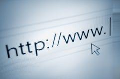 Cursor, der Textdatenbanksuchroutine-Adressenstab HTTP-WWW zeigt Stockbilder