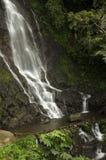 Curug tujuh, vattenfall på panjaluen Arkivbilder
